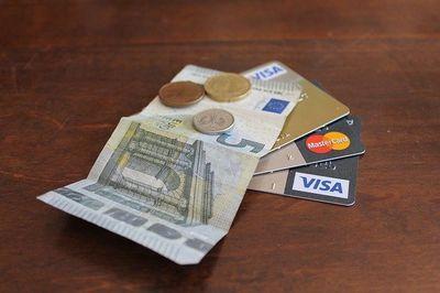 Kreditkarte aus echtem Gold